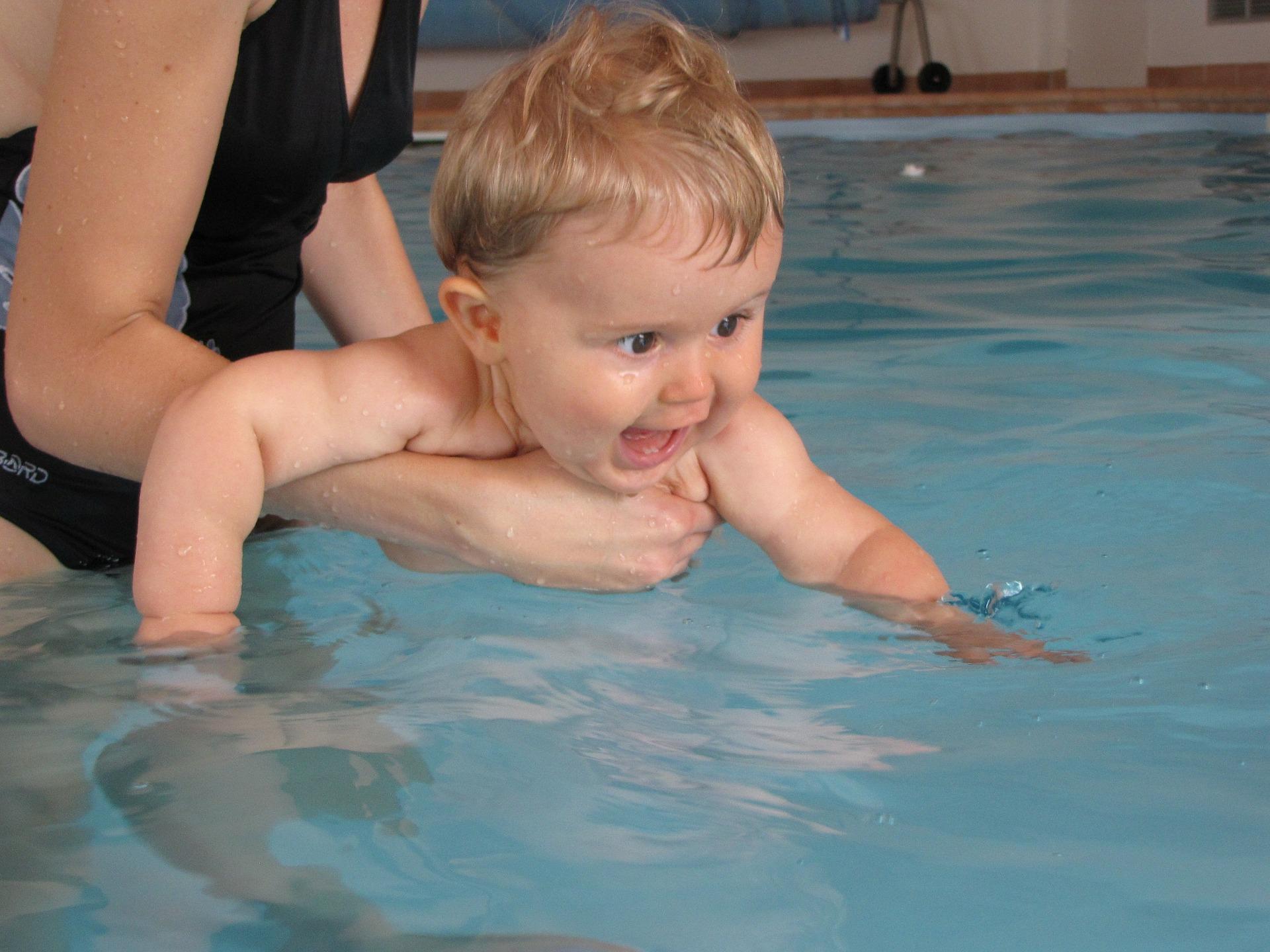 cours-bébé-nageurs
